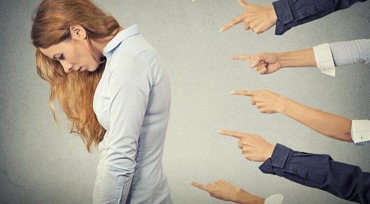 نشانه های طرحواره نقص و شرم در روابط